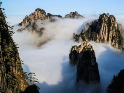 秋日黄山:云海袅绕 秋色醉人