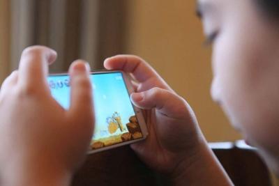 如何才能让孩子放下手机游戏?