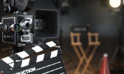 影视行业自查自纠 明星年底前补缴税款可免予处罚