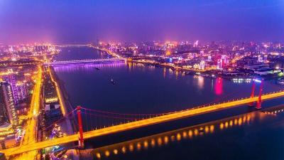叶青看财经:武汉如何利用南向通道?