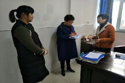十堰市经信委认真开展11月份文明劝导周