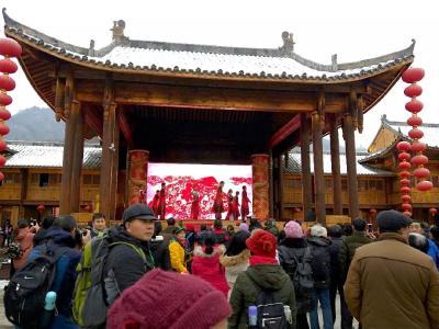 入冬来,房县首个年货节竟办成这样,难怪...