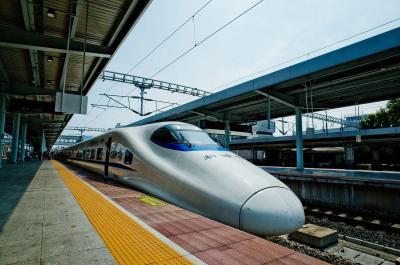"""春节前后武铁加开116.5对始发列车 春运将加开""""夜行高铁"""""""
