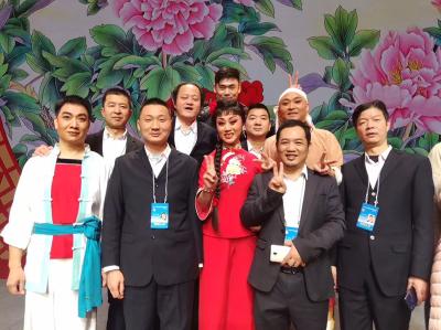 V视 | 楚剧经典剧目《推车赶会》登上2019年新年戏曲晚会
