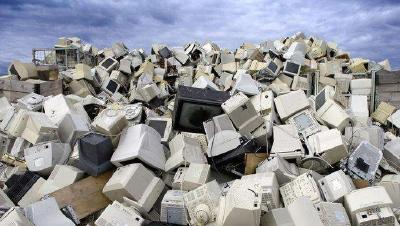 调查:玻利维亚人每年生产5.49公斤电子垃圾