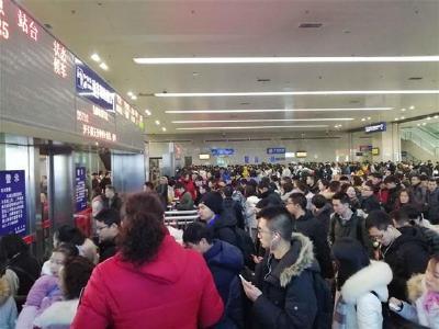 襄阳至汉口动车新增3个临时停靠点 方便鄂西北旅客出行
