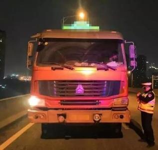 货车大客深夜闯快速路,重罚!本周武汉已查缉闯禁行交通违法267起