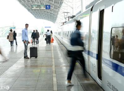 清明首日武铁发送旅客83万人次 25个重点景区接待游客增长125%