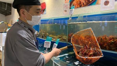 销售同比暴增270% 小龙虾为何这么俏?
