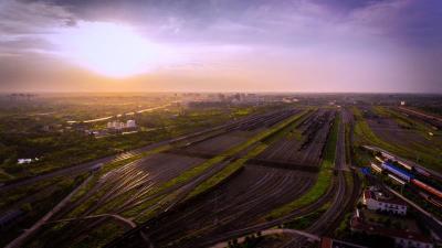 """第69万列货运列车开出 武汉北站成全国铁路货物运输的""""智慧工厂"""""""