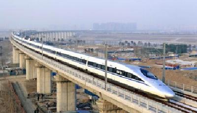"""""""端午""""假期首日  武汉铁路迎来客流高峰"""