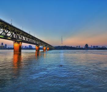 2018中国城市综合经济竞争力武汉排名第八