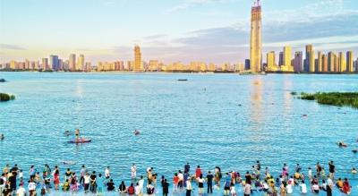 江边消暑:属于武汉人的夏日记忆