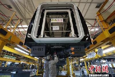 8月中国制造业PMI稳中有降 非制造业商务活动指数略升