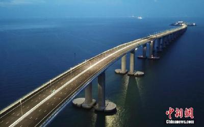 """中国堪称""""世界桥梁博物馆"""" 为人民群众带来便利"""