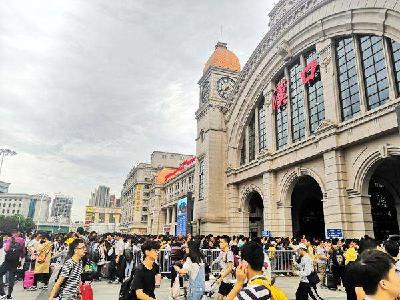 汉口火车站预计十一发送122万人次 将加开部分车次