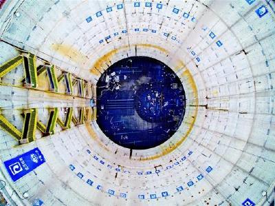 """深48米 直径43米 国内最大深隧泵房冲刺""""封底"""""""