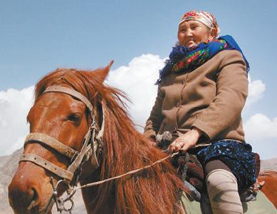"""""""人民楷模""""布茹玛汗·毛勒朵—— 半世纪,放牧巡边在祖国最西端"""