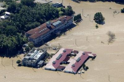 """水电中断、食品短缺、学校被毁……""""海贝思""""重创日本"""