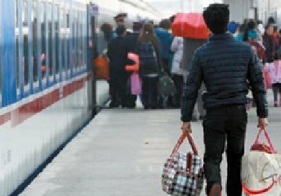 发改委:截至18日春运期间已发送旅客6.76亿人次