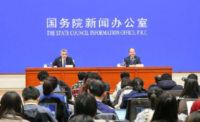 """新华网评:6.1%的经济增速""""含金量""""高"""