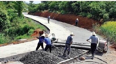 湖北今年新改建农村公路1.5万公里 开建4条高铁