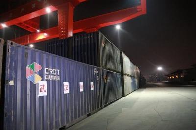 215吨挂面4600件水饺 河南多批物资通过绿色通道发往武汉