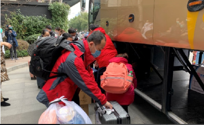 广东省第二批支援荆州医疗队奔赴抗疫一线