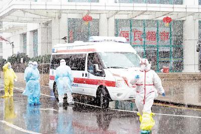 頂風冒雪轉運收治 539名新冠肺炎患者