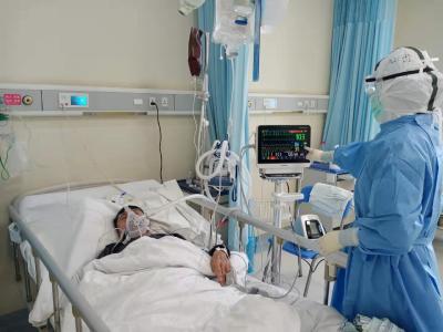 患者救治 | 4名新冠肺炎危重症患者从武汉协和医院西院治愈出院