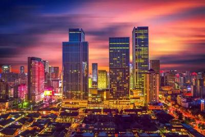 中国GDP十强城市落定:重庆逼近广州,武汉第八