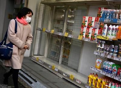 国际疫情观察:口罩紧缺,日本人为何疯狂抢购卫生纸?