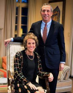 哈佛大学校长及妻子双双新冠病毒检测呈阳性