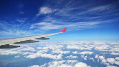 民航局:为防止疫情扩散 目前国际航班总量维持在每周不超过134班