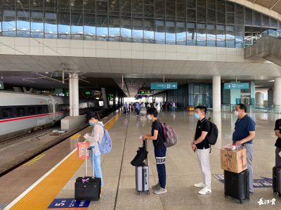 北京,我回来了!湖北首批乘客乘坐高铁赴京!