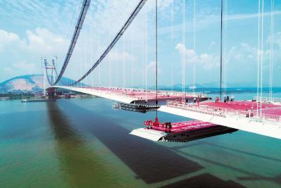 棋盘洲长江大桥合龙 湖北疫后合龙的首座长江大桥 计划年底通车