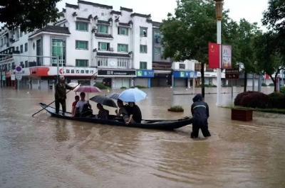 安徽歙县遭遇洪涝 高考语文、数学科目考试延期举行