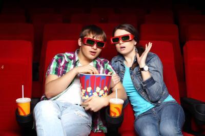 电影院复映首日全国票房超350万 出票超13.8万张