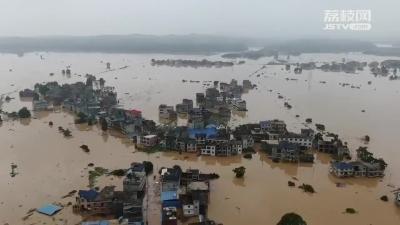 """全国多条河流发生超警以上洪水 这些""""逆行者""""奋战在救援一线"""