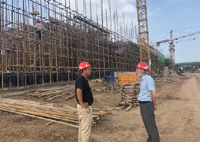 孝昌县开发区组织专班检查辖区在建项目安全生产及疫情防控工作
