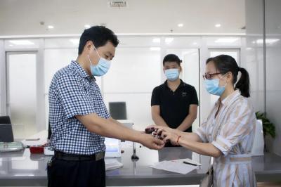 优化营商环境 | 给他们点赞!襄阳为新办企业免费刻公章