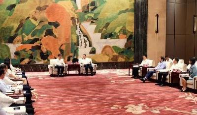 王忠林与中国联通等企业负责人座谈,100亿元联通5G产业基金落户光谷