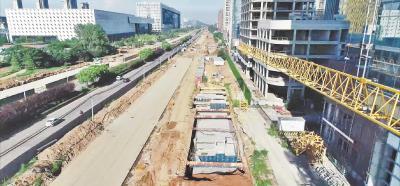 武汉最长地下综合管廊 高新大道段主体完工