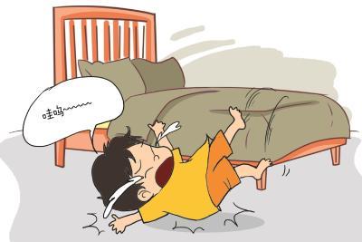 一家医院一晚接诊12个头部外伤儿童 暑期小儿坠床意外频发 医生呼吁家长加强监护