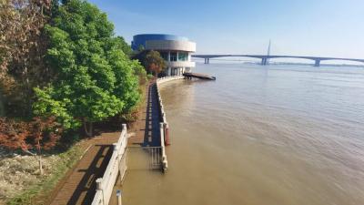 今日14时,长江黄石段退出警戒水位