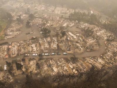 都烧没了!记者深入美国加州山火现场