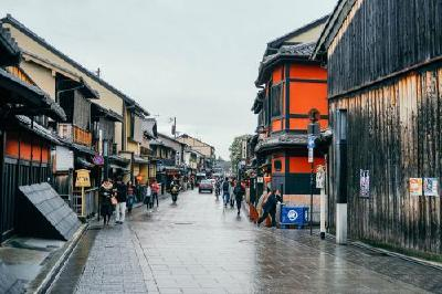 日本宣布10月起允许长期签证持有者有条件入境
