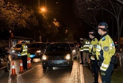 交成绩单!武汉警方夜间大巡查一个月破获各类违法犯罪案件691起