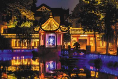 瑶琴轻抚 迎仙客 节日期间黄鹤楼首开夜间体验