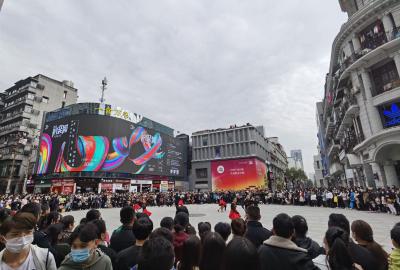 时尚从江汉路出发:2020武汉时装周快闪秀